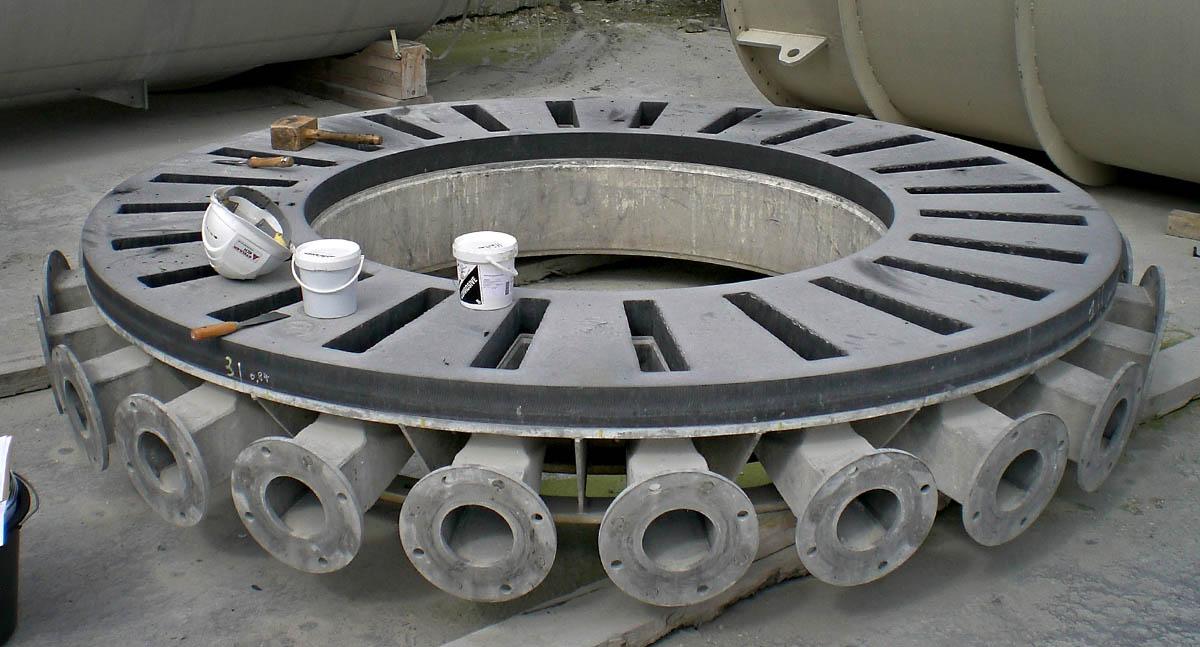 Die KERA® Verteilerplatte auf dem Trägergestell aufgeschraubt.