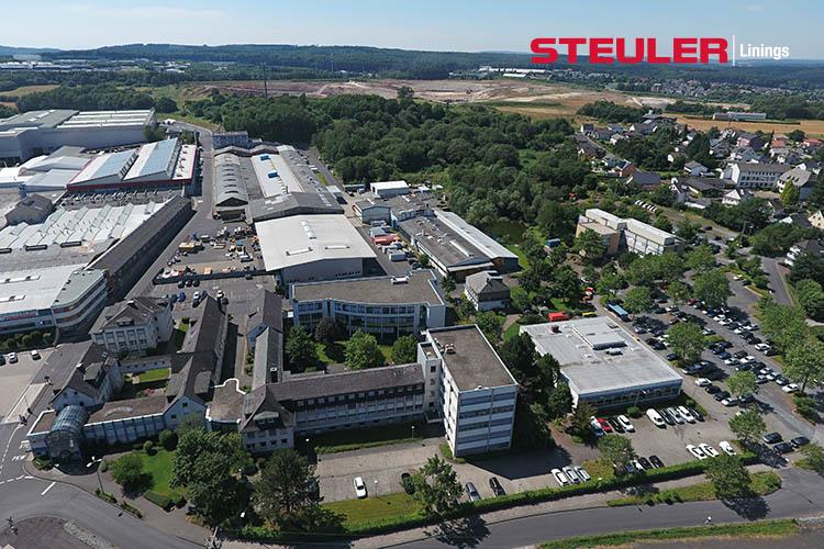 """Im """"Berggarten"""" am Standort Siershahn sind u.a. Vertrieb, Forschung & Entwicklung, Anwendungstechnik und Produktionsbereiche der Steuler Linings-Sparte beheimatet."""