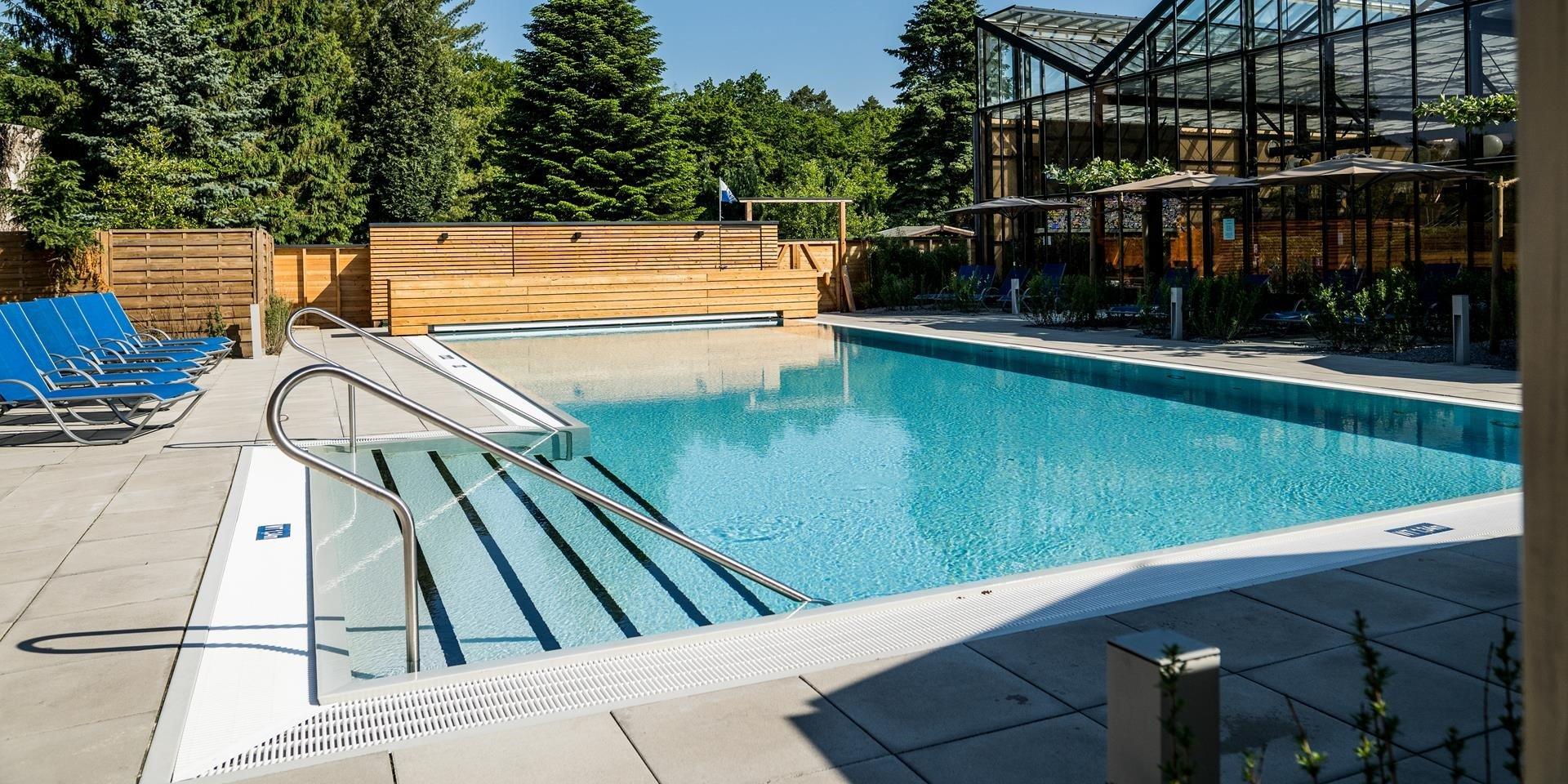 Komplettansicht des Außenbeckens Jammertal Resort Datteln