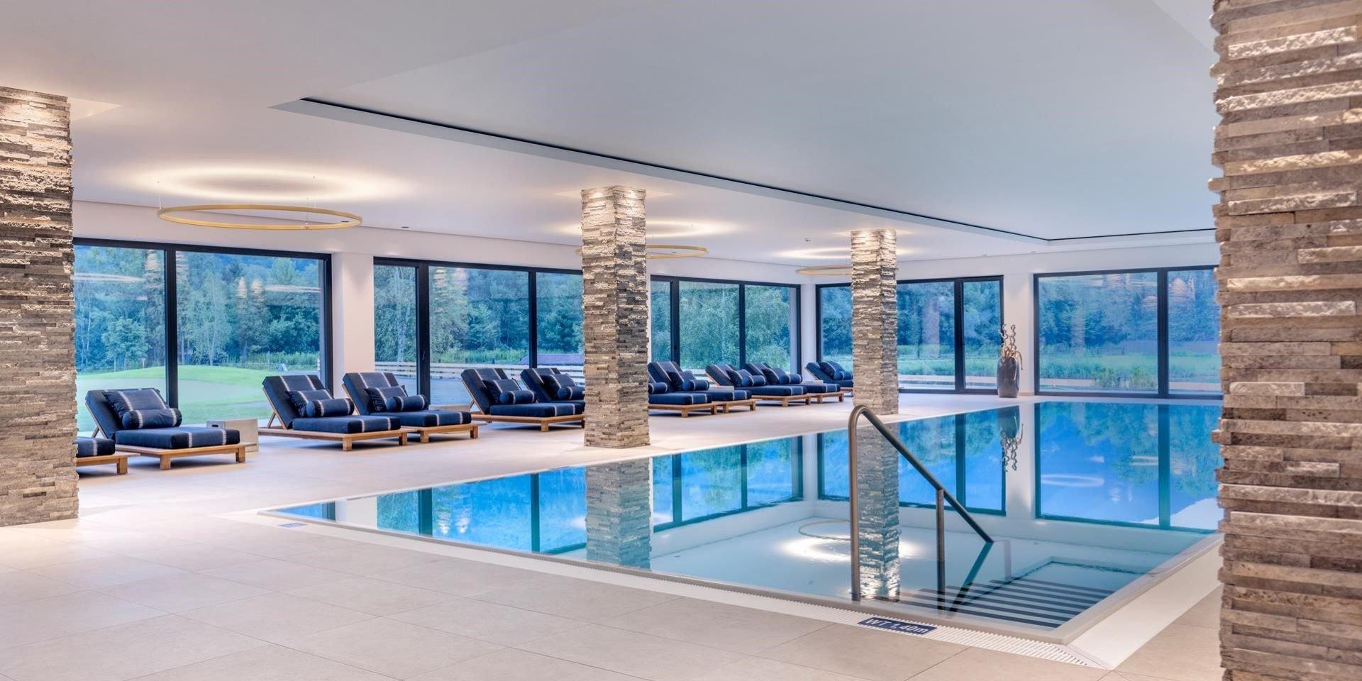 Indoor Pool Dolomitengolf Suites Lavant ausgekleidet durch Steuler Pool Linings BEKAPOOL