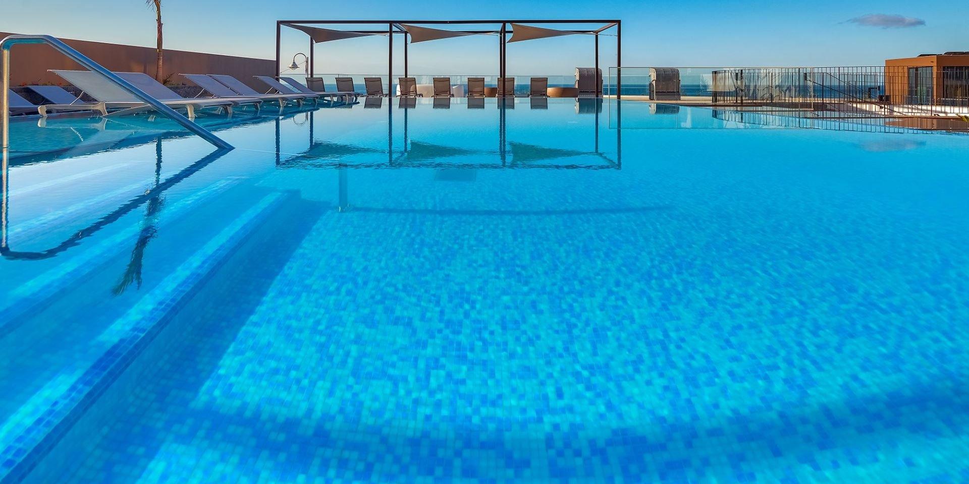 Steuler Pool Linings Galomar Hotel Outdoor Pool