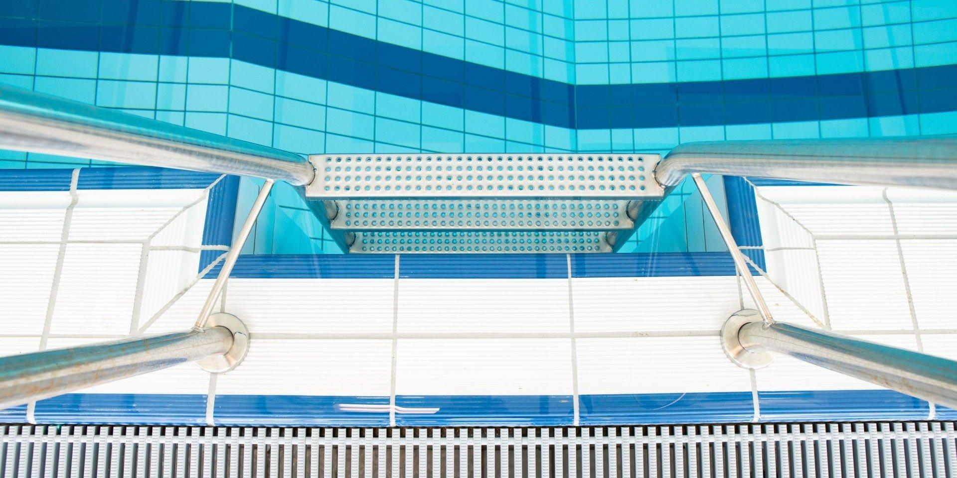 Aqua Ft Schortens Treppe Steuler Pool Linings