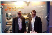 """Hendrik Gärths (links) und Ralf Kleinwechter (rechts) auf der """"Sewage Sludge Treatment"""" in Antwerpen, Belgien."""