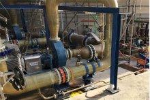 Rohrleitungsbau am Soletank der KEM ONE, insgesamt wurden 1500 m Rohrleitungen durch das Geschäftsfeld Steuler Plastic Linings montiert.